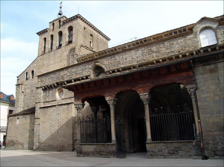 Catedral de Jaca rutas por jaca