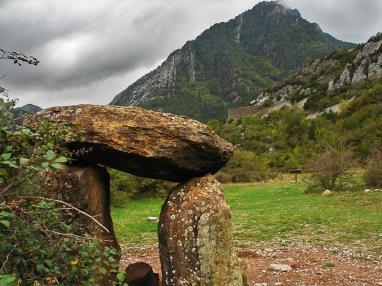 Dolmen de Santa Elena monumentos megaliticos en espana